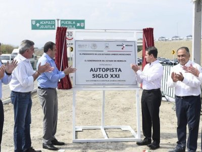 "<a href=""/noticias/entrega-presidente-pena-la-autopista-siglo-xxi"">Entrega presidente Peña la Autopista Siglo XXI</a>"